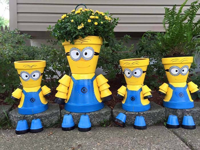 DIY Minion Flower Pot Decorations #flowerpot #frontdoor #frontporch #decorhomeideas