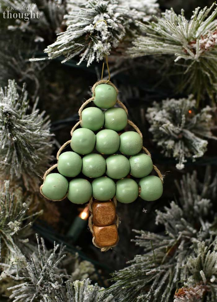 DIY Ornament Wooden Bead Christmas Tree #Christmas #rustic #ornaments #decorhomeideas
