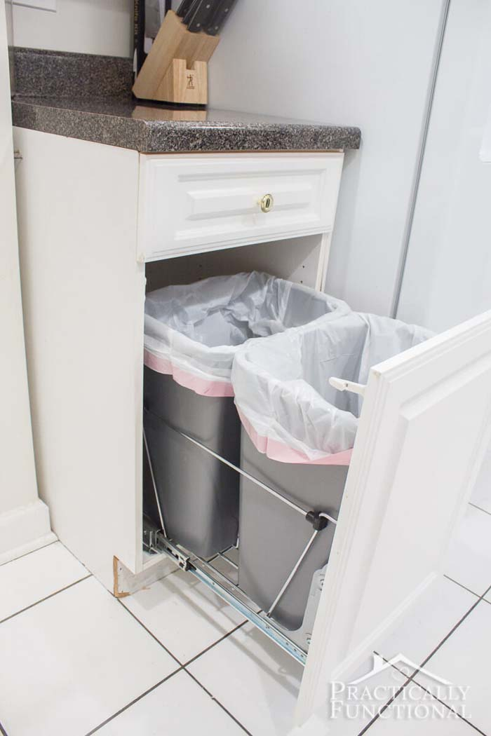 DIY Pull Out Trash Cans #smallkitchen #storage #organization #decorhomeideas