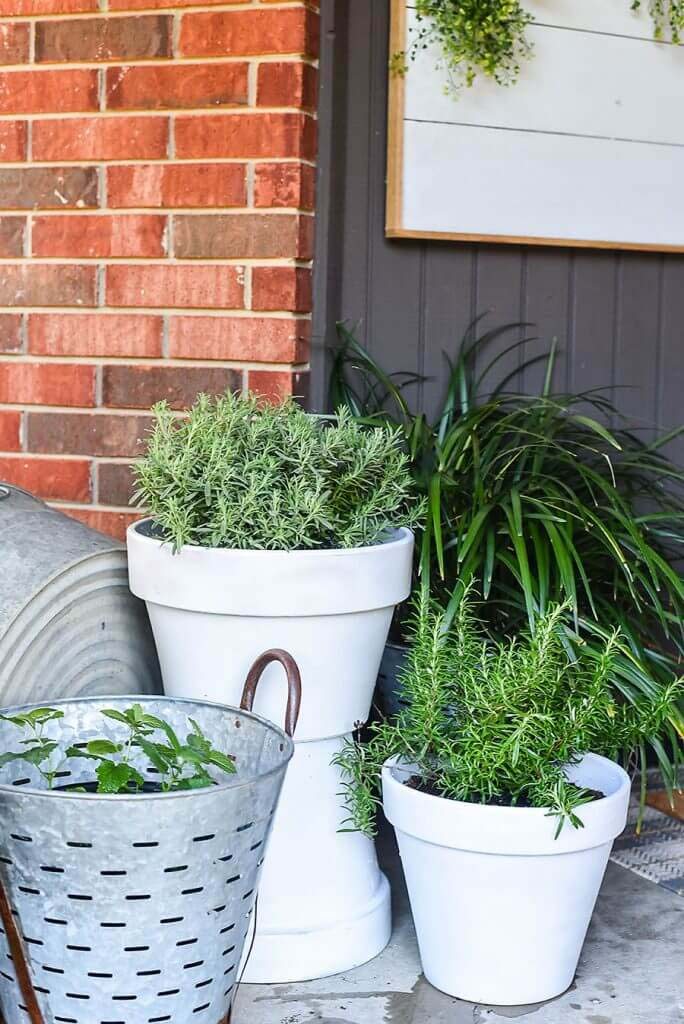 DIY Two-Pot Planter Project #flowerpot #frontdoor #frontporch #decorhomeideas