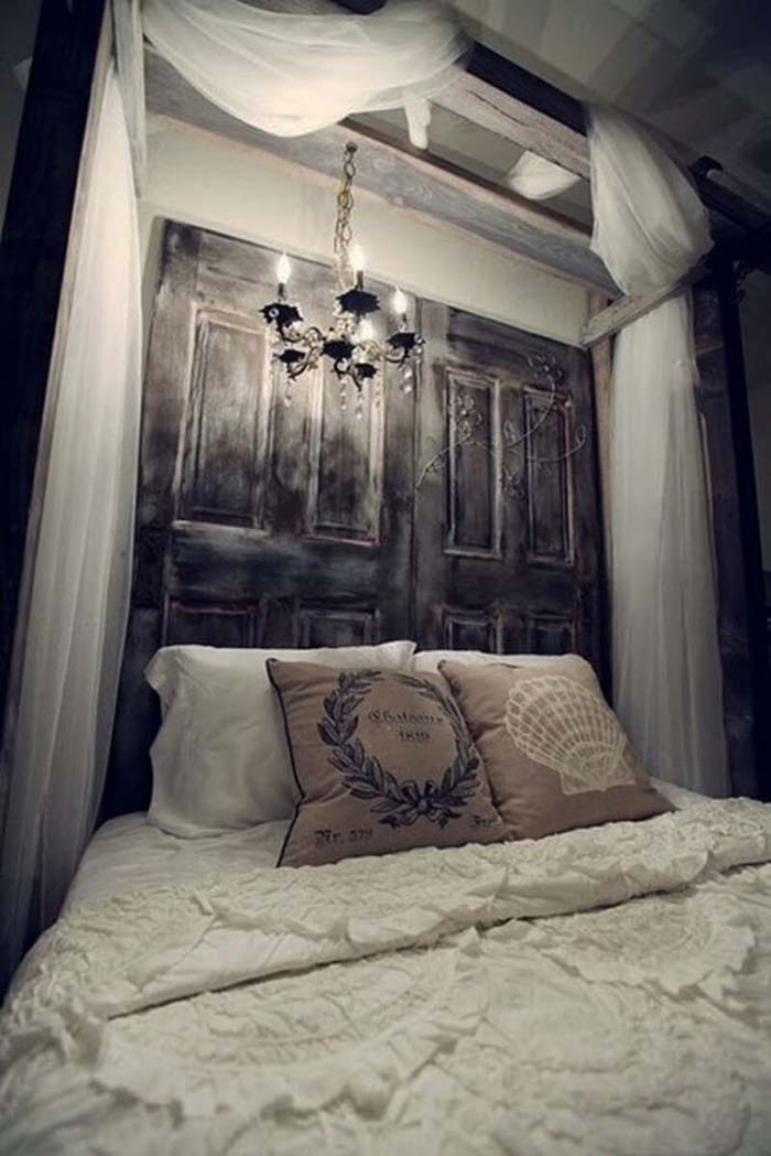 Dramatic Headboard Made With Reclaimed Doors #bedroom #vintage #decor #decorhomeideas