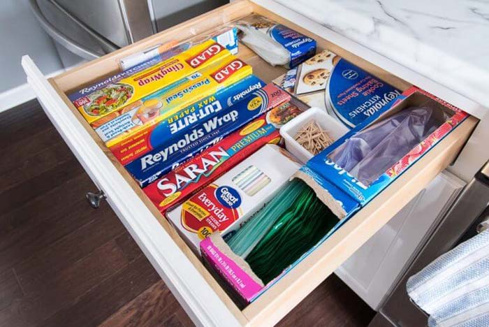 Drawer Organization for Wraps and Bags #smallkitchen #storage #organization #decorhomeideas