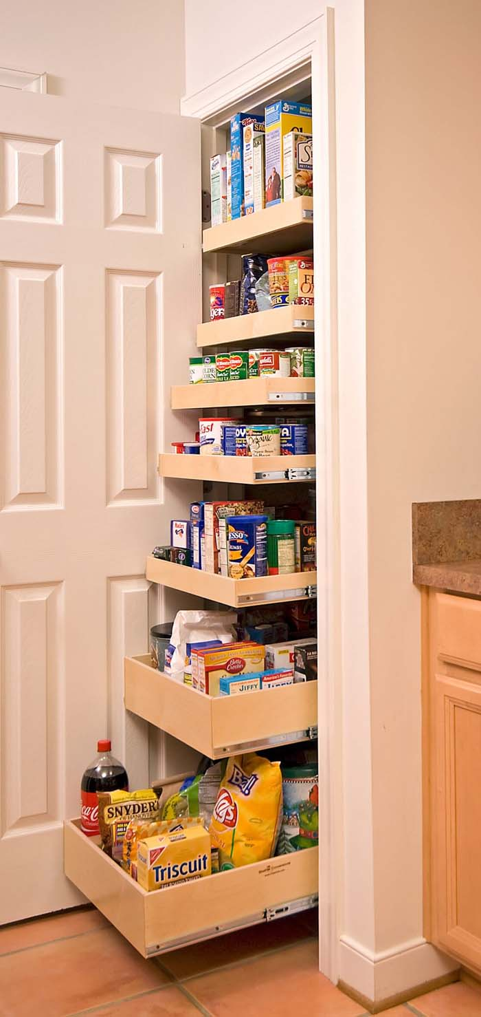 Easy-to-Reach Pantry Drawers that Pull Out #smallkitchen #storage #organization #decorhomeideas