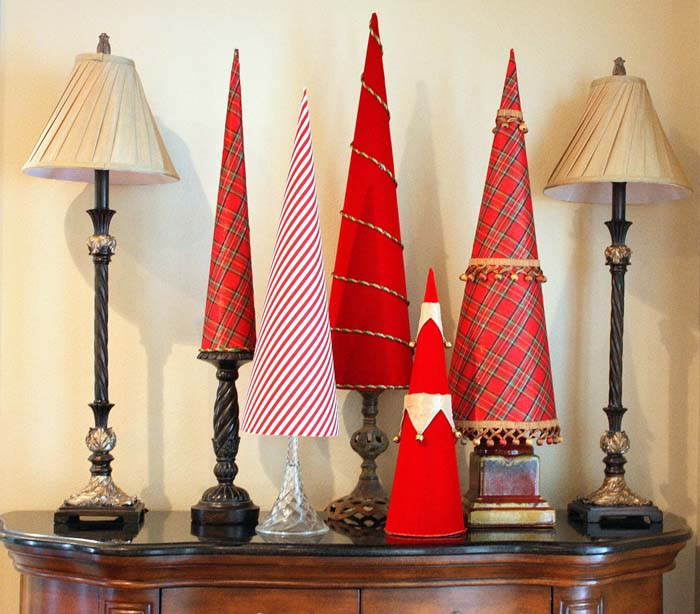 Fabric Covered Poster Board Christas Tree Cones #Christmas #tree #crafts #decorhomeideas