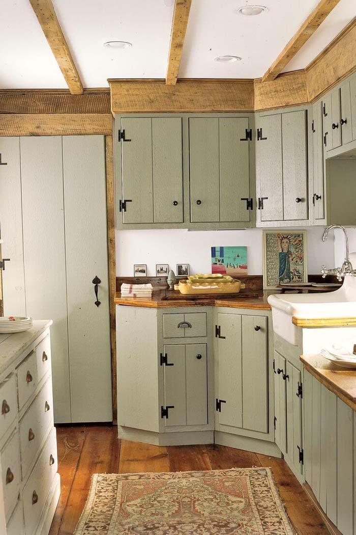 Farmhouse Style Cabinets with 70s Color Twist #farmhouse #kitchen #cabinet #decorhomeideas