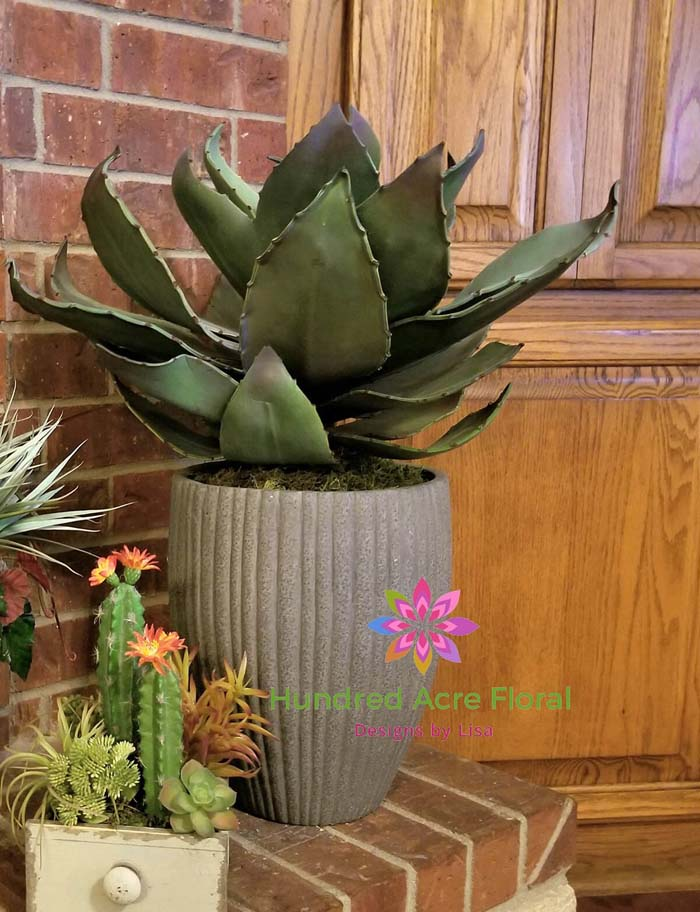 Faux Agave Plant in Cement Planter #flowerpot #frontdoor #frontporch #decorhomeideas