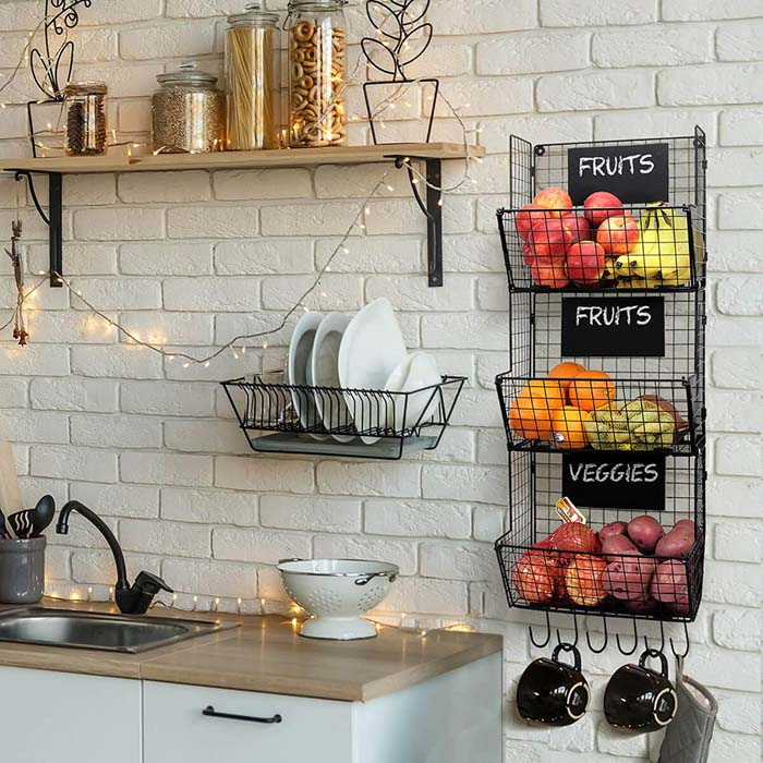 Fruit And Vegetable Storage Baskets with Chalkboards #smallkitchen #storage #organization #decorhomeideas