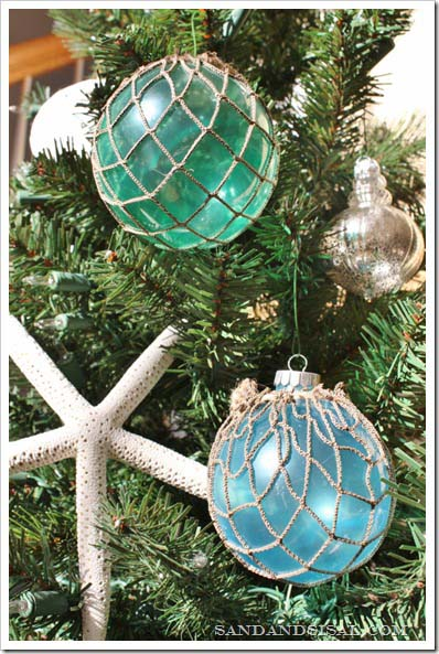 Glass Float Ornaments #diy #coastal #christmas #decorhomeideas