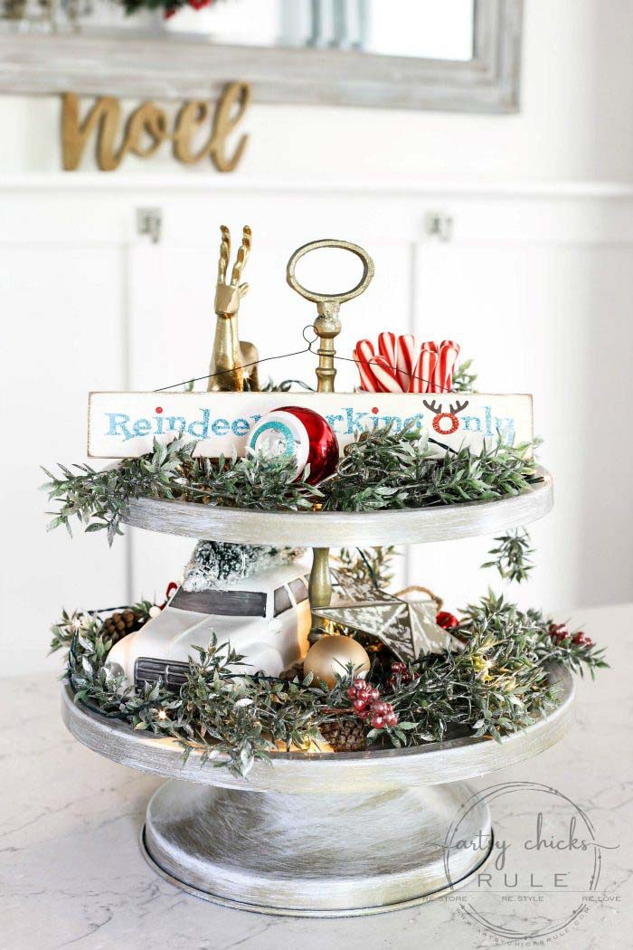 Holiday Tiered Tray Makeover #tieredtray #Christmas #decorhomeideas