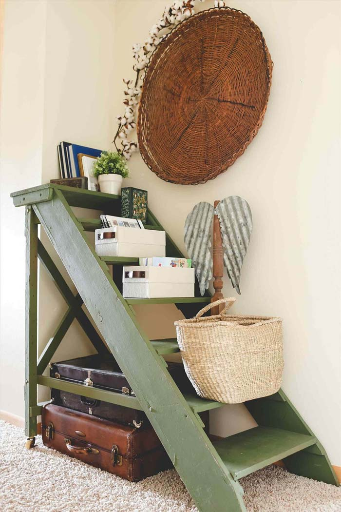 How to Create an Instant Nook #diy #ladder #repurpose #decorhomeideas
