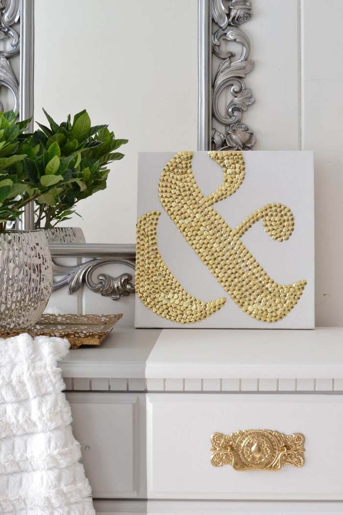 How To Make DIY Ampersand Art Using Thumbtacks #dollarstore #diy #homedecor #decorhomeideas