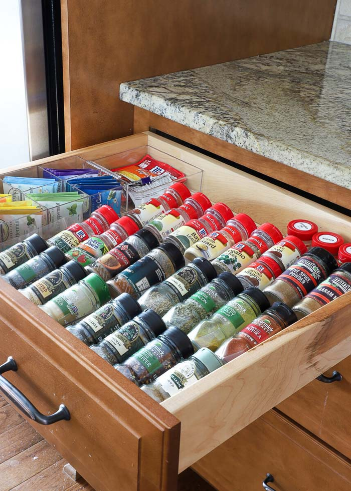 How To Organize Pantry Drawers #smallkitchen #storage #organization #decorhomeideas
