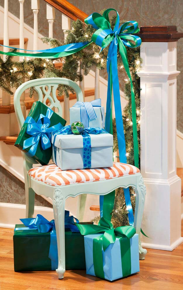 Icy Blue Christmas Theme #Christmas #blue #decorations #decorhomeideas