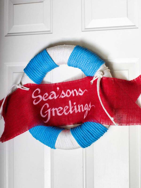 Life Saver Christmas Wreath #diy #coastal #christmas #decorhomeideas
