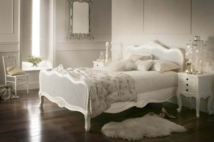 Luxury Meets Old-school #bedroom #vintage #decor #decorhomeideas