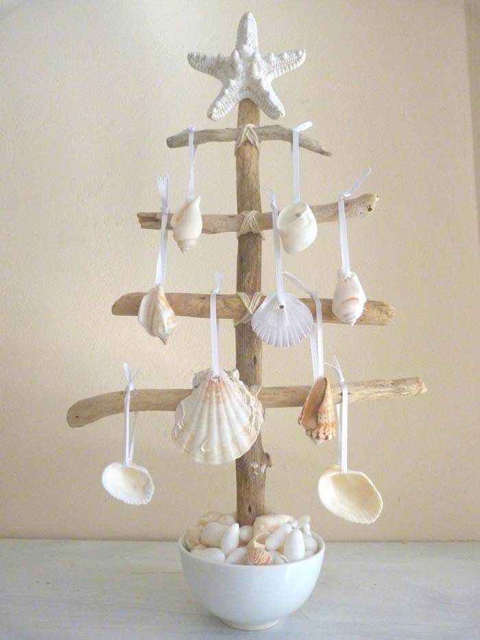 Mini DIY Beach Christmas Tree #diy #coastal #christmas #decorhomeideas