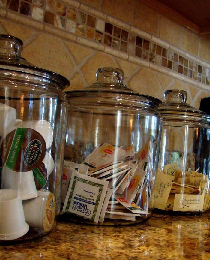 Oversized Cookie Jars for Coffee and Tea #kitchen #countertop #organization #decorhomeideas