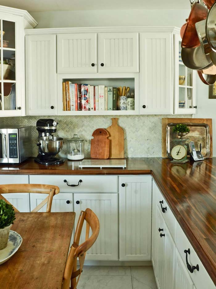 Paneled Cabinet with White and Black #farmhouse #kitchen #cabinet #decorhomeideas