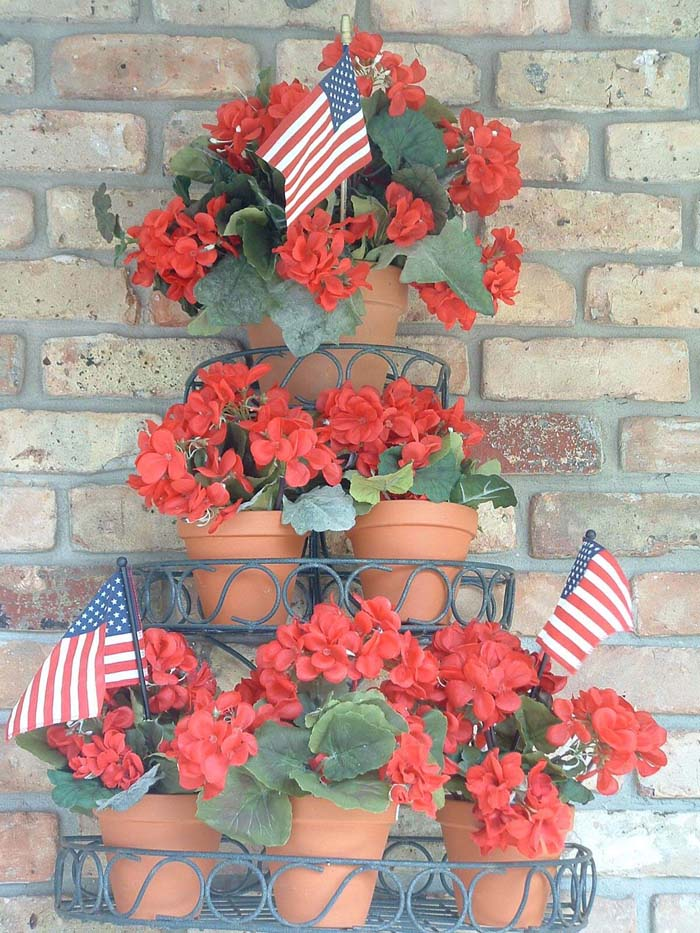 Patriotic Three-Tier Floral Arrangement #flowerpot #frontdoor #frontporch #decorhomeideas