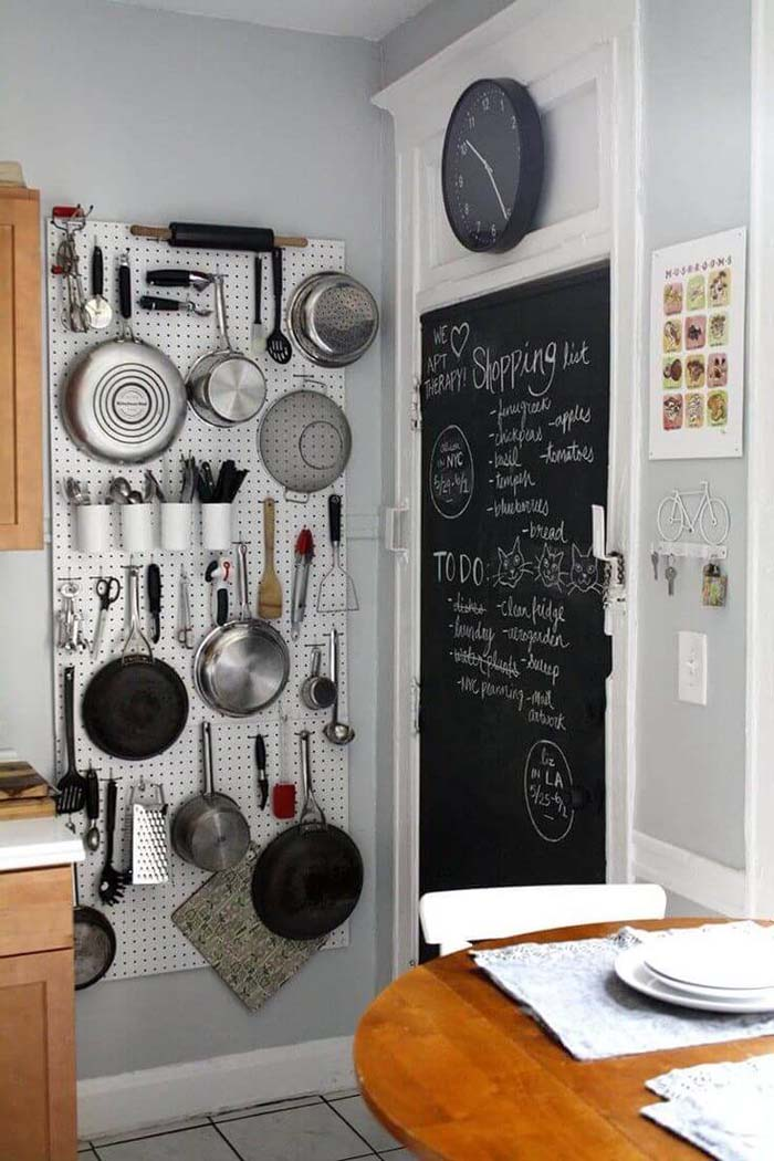 Pegboard for Pots, Pans, and Other Essentials #smallkitchen #storage #organization #decorhomeideas