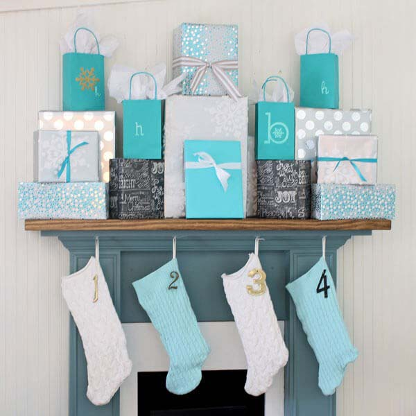 Playful Mantle Piece Gift Display #Christmas #blue #decorations #decorhomeideas