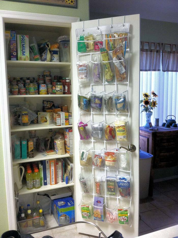 Pocket Organizer for Smaller Food Items #smallkitchen #storage #organization #decorhomeideas