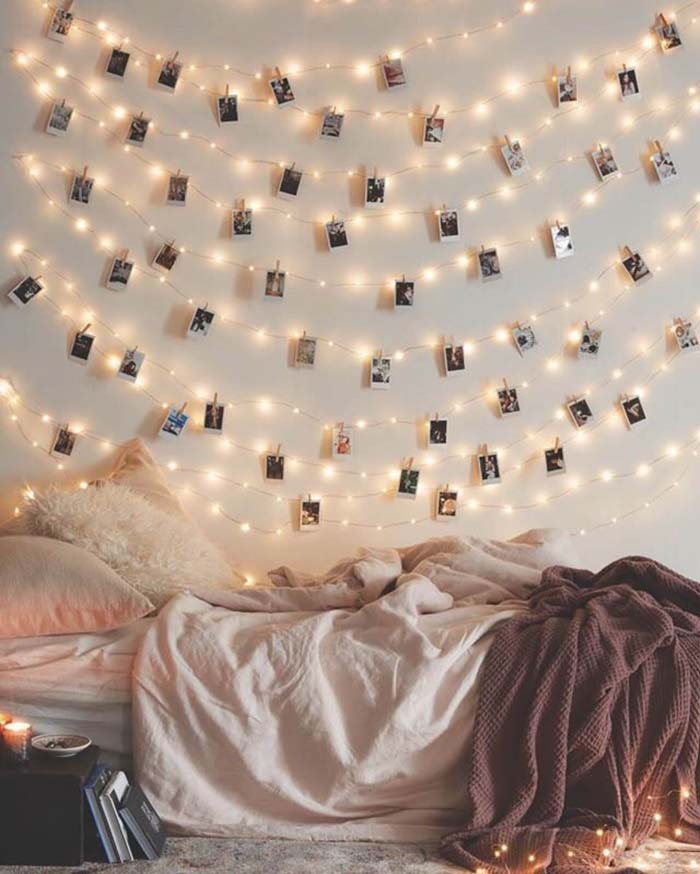 Polaroid-style Instagram Wall Art With Twinkle Lights #bedroom #vintage #decor #decorhomeideas