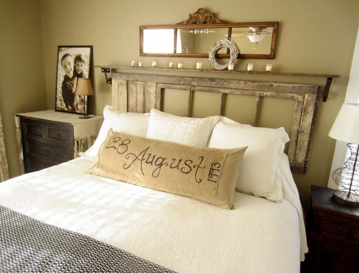 Reclaimed Door Turned Floating Headboard #bedroom #vintage #decor #decorhomeideas