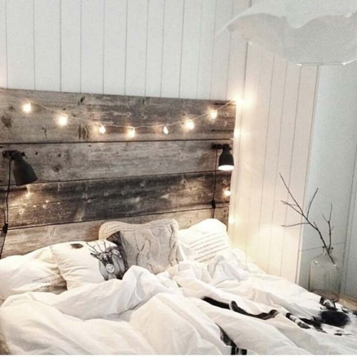 Reclaimed Wood Headboard With Built-in Reading Lights #bedroom #vintage #decor #decorhomeideas
