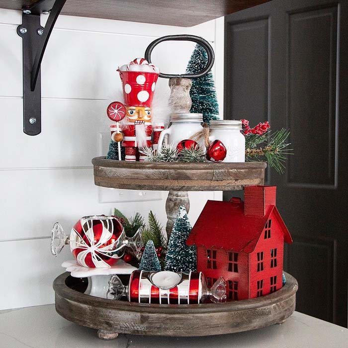 Red and White Christmas Farmhouse Tiered Tray #tieredtray #Christmas #decorhomeideas