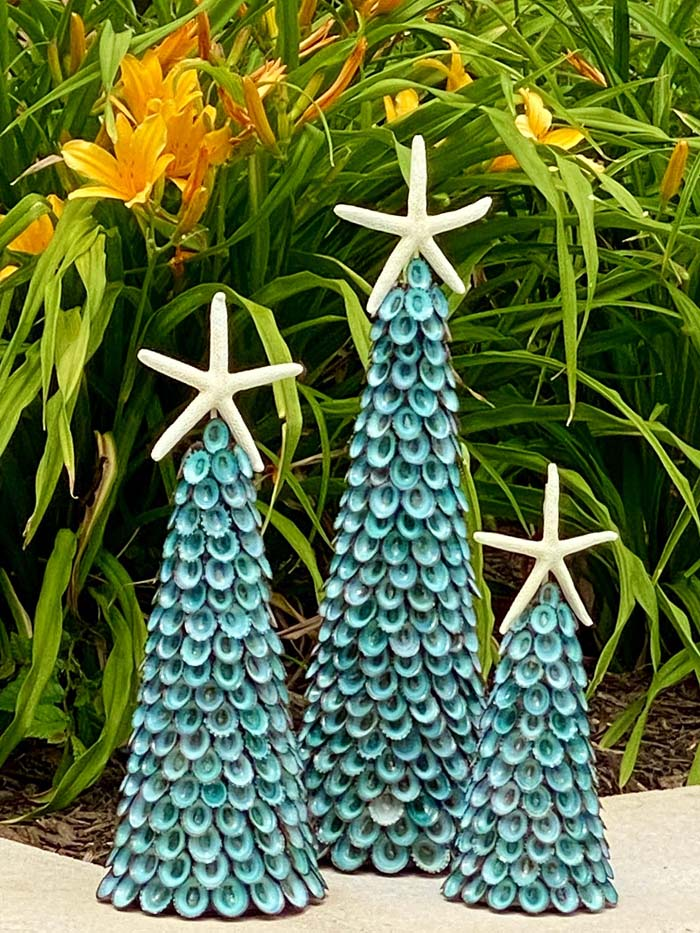Seashell Aqua Limpet Tree #diy #coastal #christmas #decorhomeideas