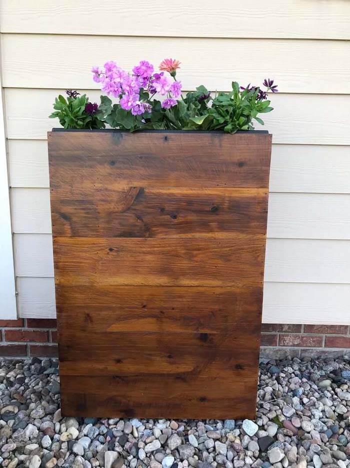 Slim Cedar Wood Planter Box #flowerpot #frontdoor #frontporch #decorhomeideas