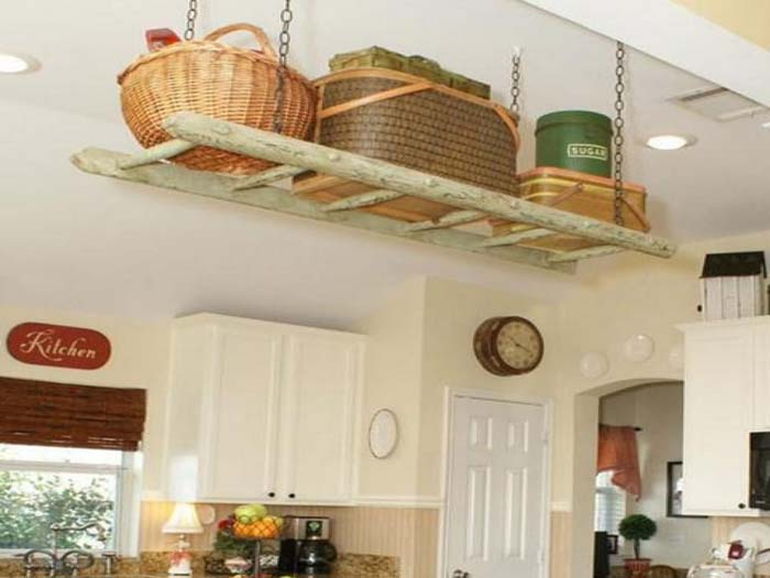 Storage Ladder that Dangles from the Ceiling #smallkitchen #storage #organization #decorhomeideas