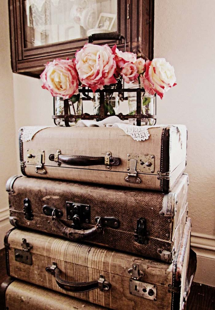 Super Simple Stacked Luggage Nightstand #bedroom #vintage #decor #decorhomeideas