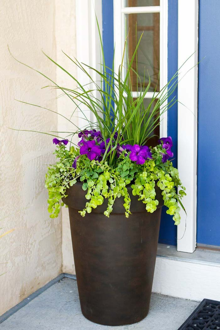 Tall Antique Bronze Flower Planter #flowerpot #frontdoor #frontporch #decorhomeideas