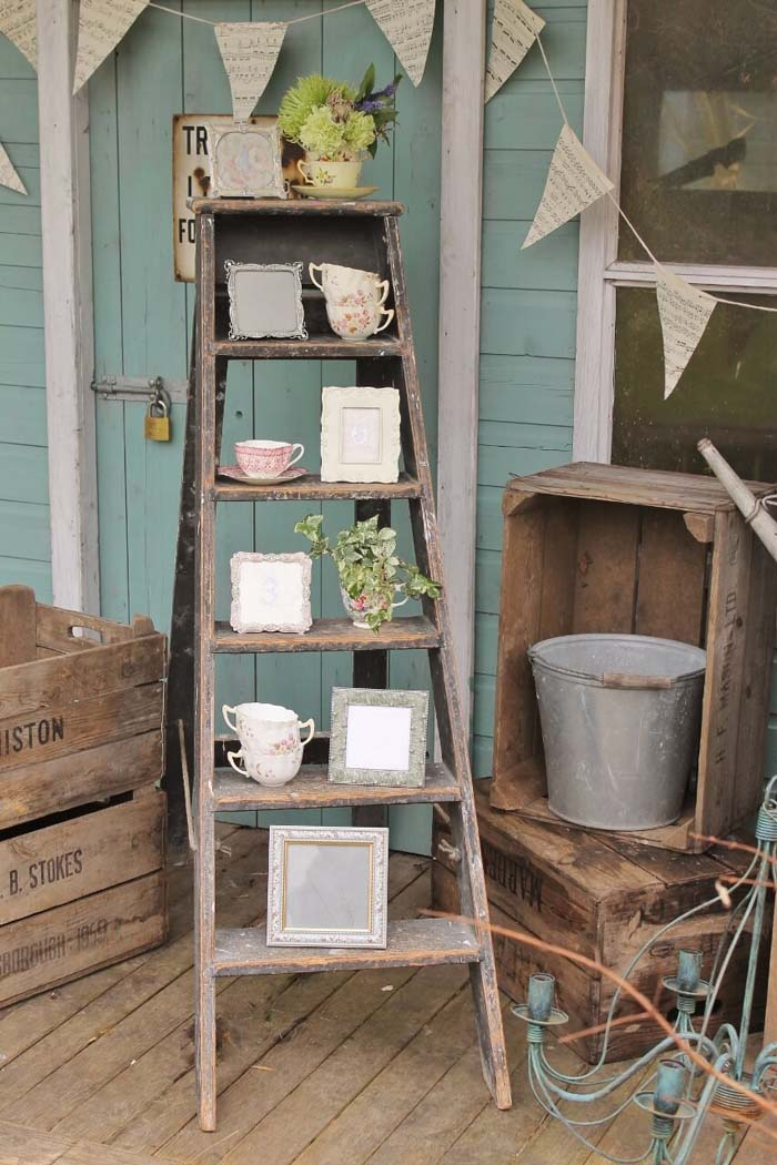 The Right Way to Decorate with Knickknacks #diy #ladder #repurpose #decorhomeideas