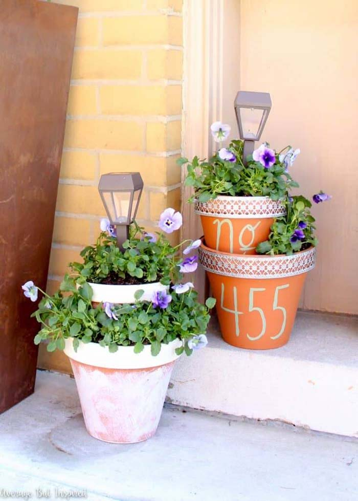 Tiered Flower Pot Planters with Solar Lights #flowerpot #frontdoor #frontporch #decorhomeideas