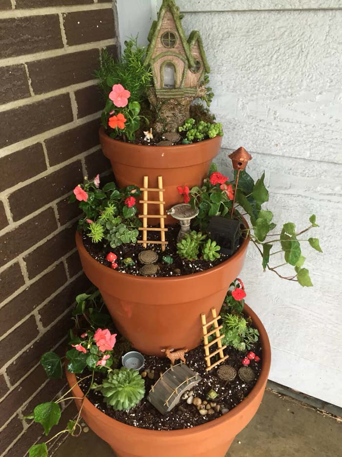Tiered Front Porch Fairy Garden #flowerpot #frontdoor #frontporch #decorhomeideas