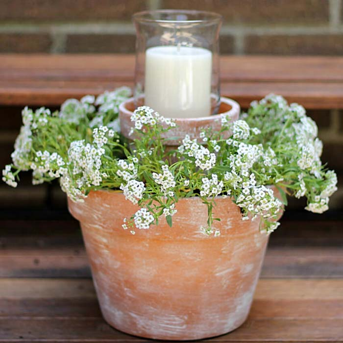 Tiered Terra Cotta Pot Planter with Candle #flowerpot #frontdoor #frontporch #decorhomeideas