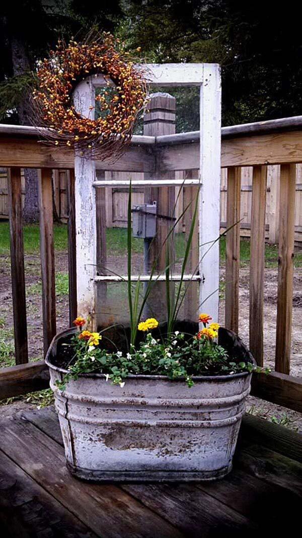 Upcycled Wash Tub and Window Planter Display #flowerpot #frontdoor #frontporch #decorhomeideas