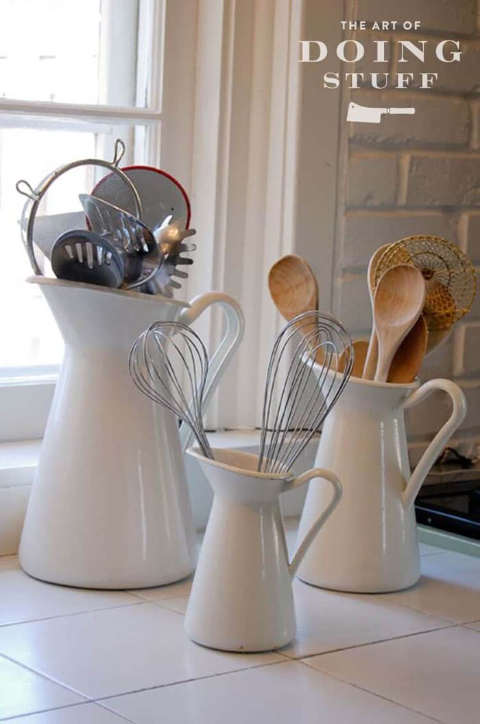 Use Graduated Pitchers for Utensils #kitchen #countertop #organization #decorhomeideas