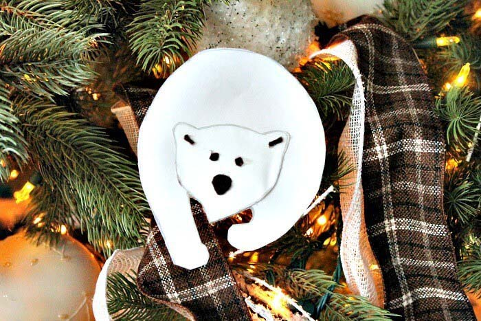 White Polar Bear Animal Decoration #Christmas #rustic #ornaments #decorhomeideas