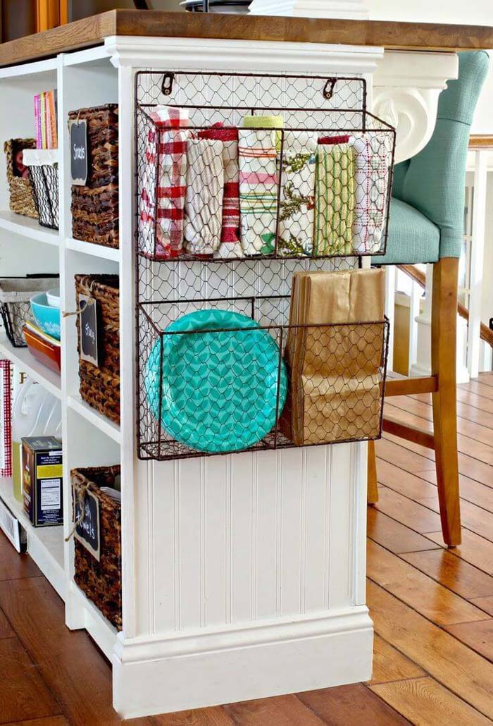 Wire Baskets Kitchen Storage #smallkitchen #storage #organization #decorhomeideas