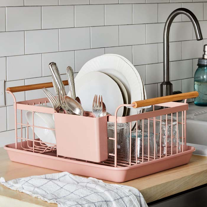 Wood-Handled Dish Rack #smallkitchen #storage #organization #decorhomeideas