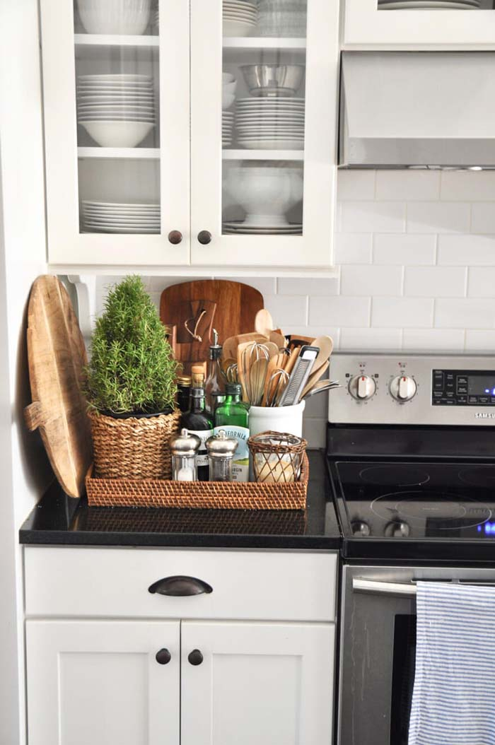 Woven Tray Accented with a Plant #kitchen #countertop #organization #decorhomeideas