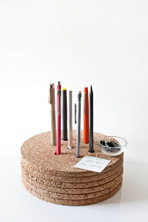 Store Pens Upright In Cork Trivets #organization #storage #home #decorhomeideas