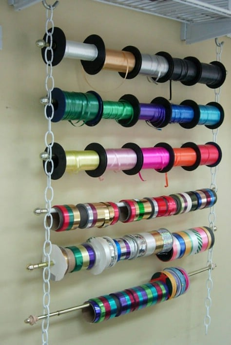 Make A Ribbon Holder Use Curtain Rods And Lengths Of Chain #organization #storage #home #decorhomeideas