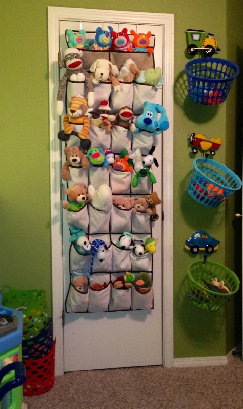 Store Plush Toys Using A Shoe Organizer #organization #storage #home #decorhomeideas