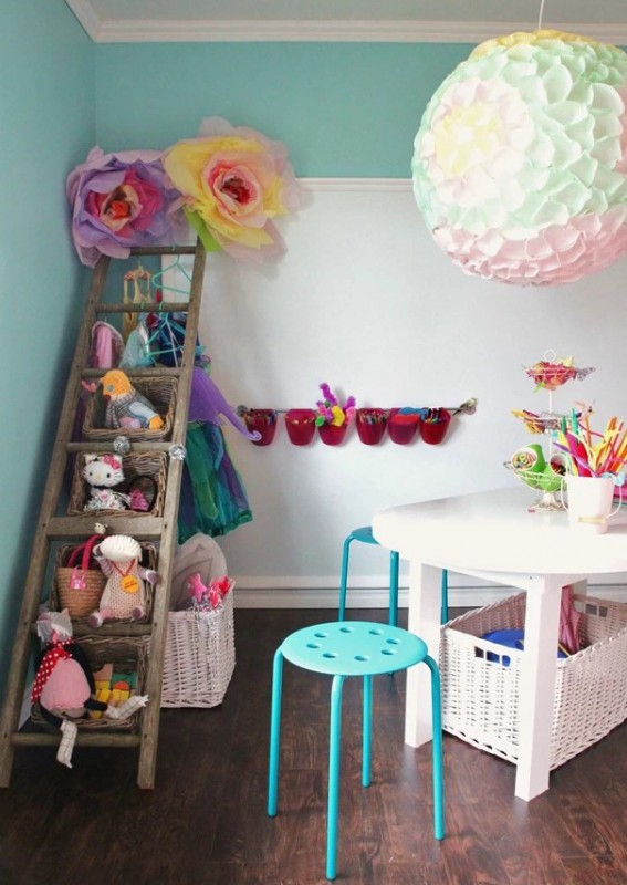 Use A Ladder With Baskets To Store Stuffed Animals And Other Toys. #organization #storage #home #decorhomeideas