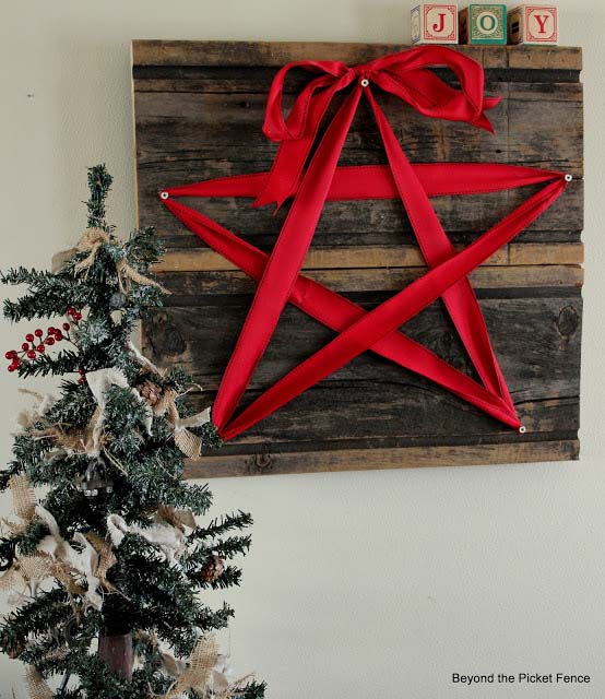 Barn Wood Star Sign #Christmas #walldecor #diy #decorhomeideas